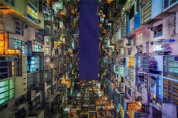 窗中看城市风景