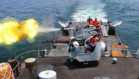 此前,三亚海事局7月3日发布南海海域军事演习的航行警告,称5日至11日