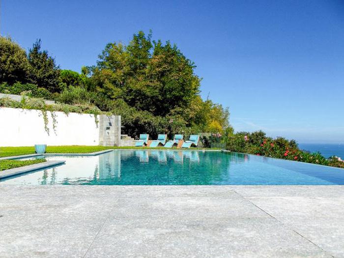 打開窗看地中海美景,居于海邊別墅并非天方夜譚