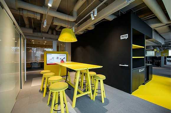 的上海新办公室内景.图片来源:乐高中国-更多大公司采用协作式办