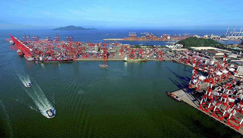 宁波-舟山港,深圳港,青岛港,厦门港,天津港,广州港,大连港这八大港口.
