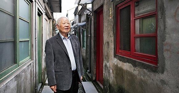 现代诗人洛夫是如何与唐朝诗人 打擂 的图片