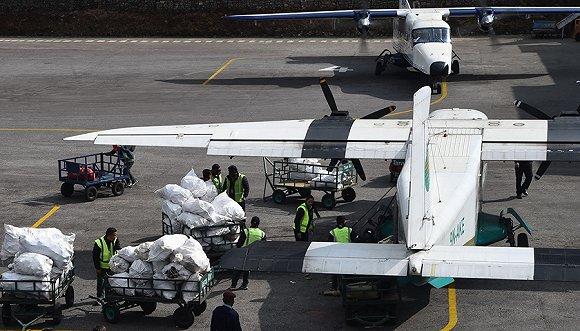 【天下奇聞】珠峰大掃除空運100餘噸垃圾 卸妝濕巾洗臉弊大於利