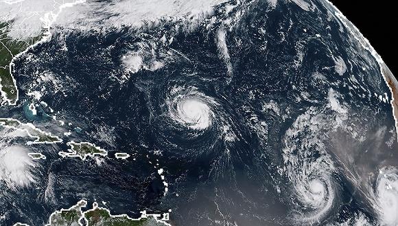 """到的飓风""""佛罗伦斯""""卫星云图.图片来源:视觉中国-福特回绝总统"""