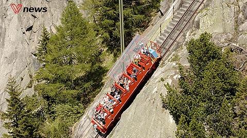 瑞士伯爾尼山區的地面纜車從海拔6000英尺(約1829米)的湖面幾乎垂直,整個過程驚險刺激猶如過山車