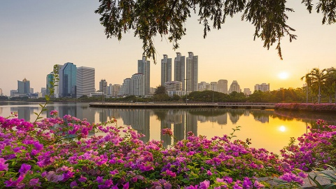"""新加坡蝉联亚洲外派员工最宜居城市,香港因台风""""山竹""""跌出前40名"""