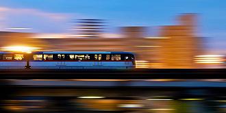 赵坚:破解城市筹划地盘应用等体系体例方面对生长大年夜都会区轨道交通的掣肘(对发...