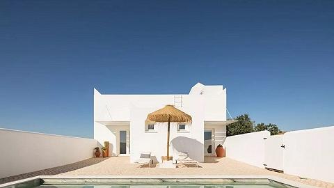 他分开爱马仕,在乡间造了一家极简主义的设计酒店