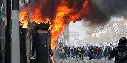 """""""黄背心""""请愿第18周:抗议者上街打砸烧,痛斥全法辩论都是空话"""