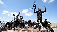 利比亚冲突致24人丧生,美国务卿警告停止进攻的黎波里