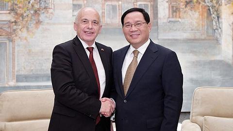 瑞士联邦主席盛赞上海城市活力,在沪出席多场金融活动,李强会见