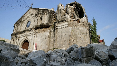 菲律宾24小时内连遇强震16死81伤,杜特尔特下令一倒塌超市所有分店停业