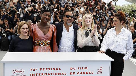 戛纳电影节开幕:虚假的新鲜感,真实的老传统