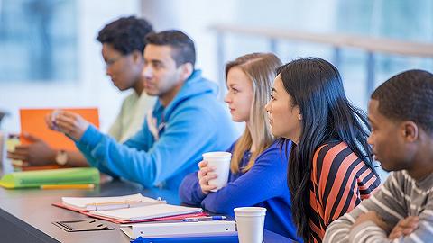 教育部?#21644;平?#20013;外学生趋同化管理,对违规违纪留学生要严处