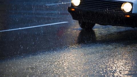 一夜暴雨!昆明主城多路段积水断交