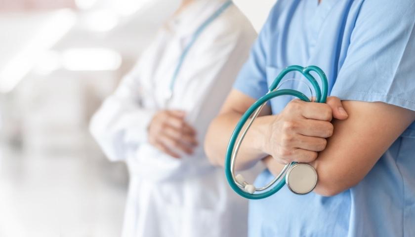 国家卫健委答界面新闻:如何让专业的医护人员下沉到基层?|界面新闻·中国