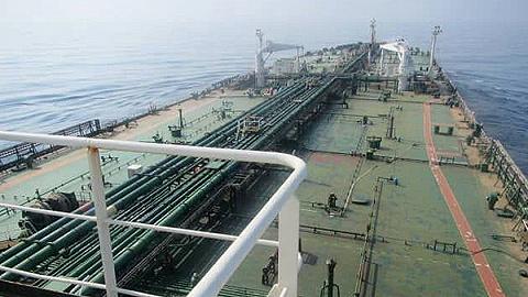 """伊朗媒体否认沙特袭击油轮,俄罗斯称追责""""为时过早"""""""