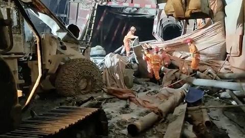 云南安石隧道事故已致4人遇難,仍有8人被困