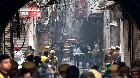 德里消防员成印度版《烈火英雄》:我以为只是一个人,结果有11人在呼救