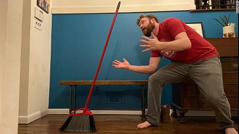 你的掃帚今天能站起來,明天也能
