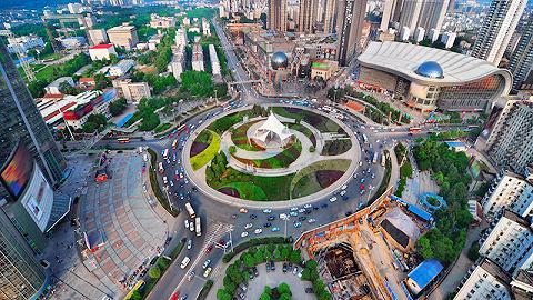 武汉解封首日探访光谷软件园:小心防护,安心工作