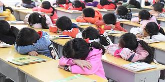 馬亮:如何讓中小學生睡足覺?