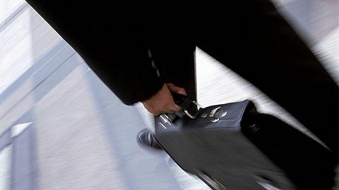 【獨家】首家外商獨資評級機構掌舵人生變,標普信評總裁陳紅珊因內部合規事項突遭免職