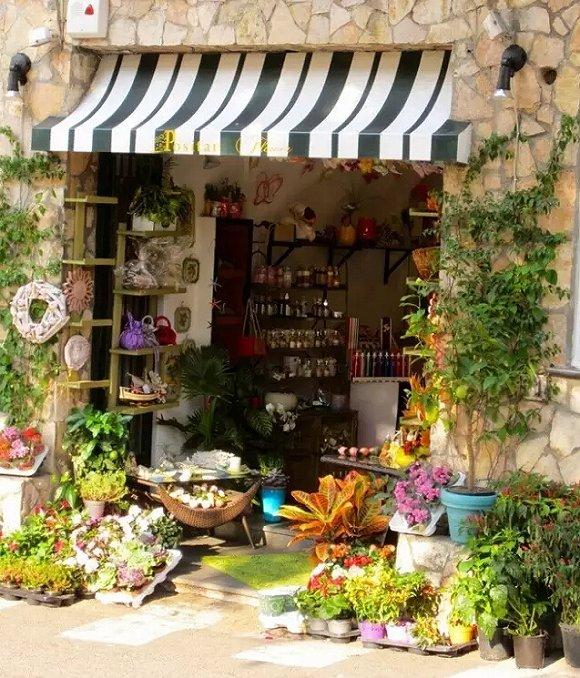 书店,花店,咖啡店文艺青年的商业方式