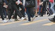截至客岁西安常住人口1000.37万人,比上岁终净增长38.70万人