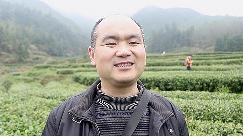 湖南小縣城農業局長做直播幫鄉親父老賣農貨,收獲百萬粉絲