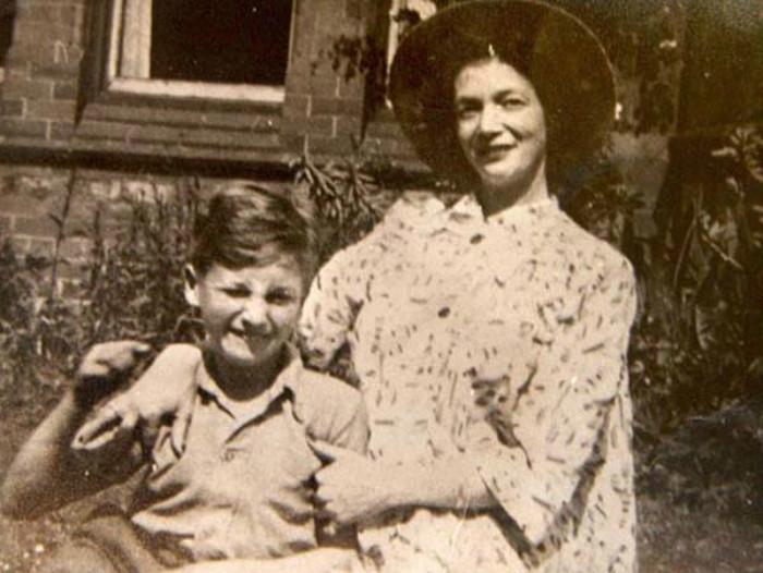 约翰·列侬儿子_约翰·列侬:用摇滚解释反叛、爱与和平 界面新闻 · 图片