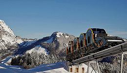 世界最陡的缆索铁路4分钟爬升743米,开往瑞士琉森湖旁的度假小镇