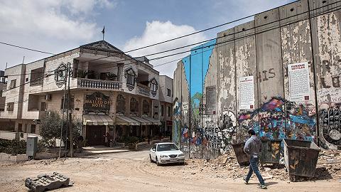 """世界旅游交易会迎来重量级""""嘉宾"""",Banksy发海报宣传自己的设计酒店"""