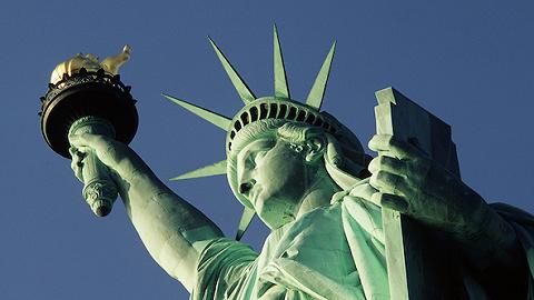 美移民局简化官网页面 实现信息共享过程现代化