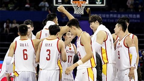 从红蓝暗战到融合,中国男篮两战赢69分尽显战斗力
