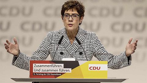克兰普-卡伦鲍尔:默克尔接班人,未来的德国总理?