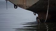 福建东山海域一货船进水遇险,11人获救2人失踪