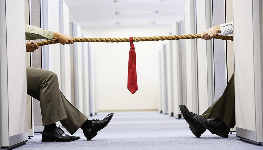 北玻股份被子公司总经理告上法庭,称其为制止业绩增长与创始人争夺控制权