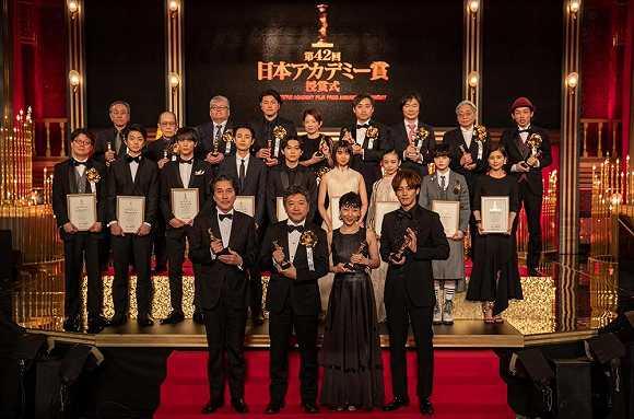 【文娱早报】《小偷家族》获八项日本电影学院奖 《超高清视频产业行动计划》发布