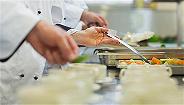 央视:校长陪着吃,校园餐就能安全吗?
