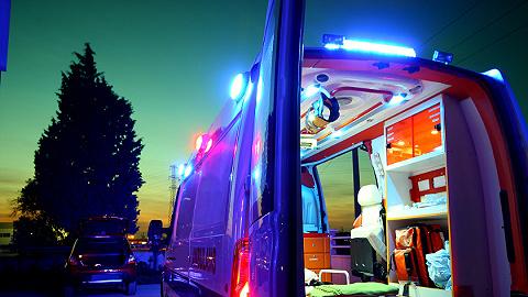 地方新闻精选  武汉一家人煤气中毒三死一伤,当事人曾打120电话转接占线