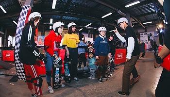 滑板不仅是一项极限运动,更是年轻人的一种生活方式