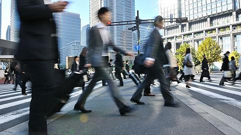 北京上班族工作时长十年增加56分钟,通勤时长不变