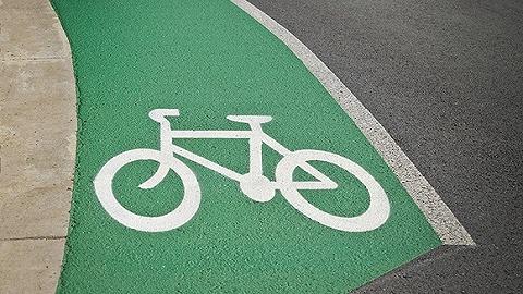 ?#26412;?#30005;动自行车新规运行,违规车主最高罚1000元? ? ?