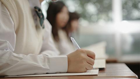 """深圳市教育局:富源学校32名考生属""""高考移民"""",取消高考报名资格"""