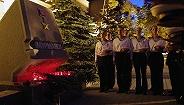 """俄称失火潜航器为""""最高机密"""",14名专家反锁起火舱内以阻断火势"""
