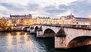 巴黎市中心的观光巴士岌岌可危,巴黎人建议你步行品味这座浪漫之都