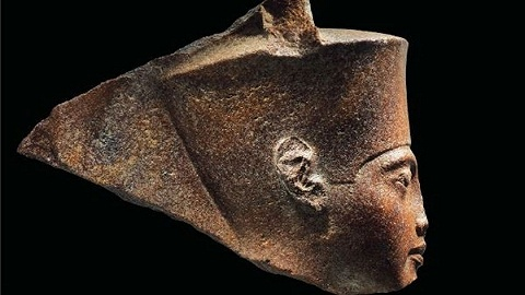 【天下奇闻】佳士得4000万拍卖法老雕像惹怒埃及 日本刚推手机支付顾客就被盗刷