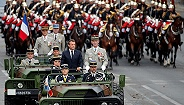 """黄背心""""砸场""""国庆阅兵式,230年后法国人的反抗传统在延续"""