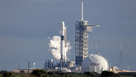 SpaceX公布载人龙飞船爆炸原因 NASA称万幸在地面爆炸